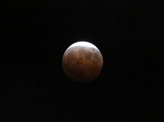 s-3_皆既月食三日月状態A1445.jpg